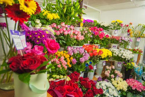Стенд с цветочной продукцией